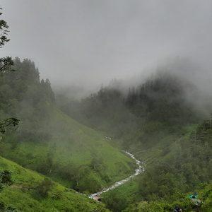 Budinanda Lake Trek